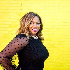 Claire B. Soares Profile Picture