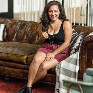 Nina - Health Coach & Pod Host Profile Picture